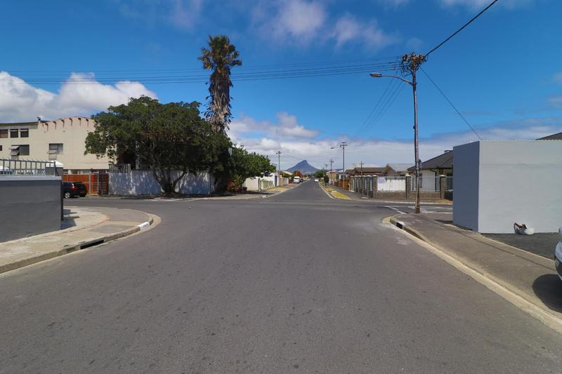 Property For Rent in Kensington, Cape Town 4