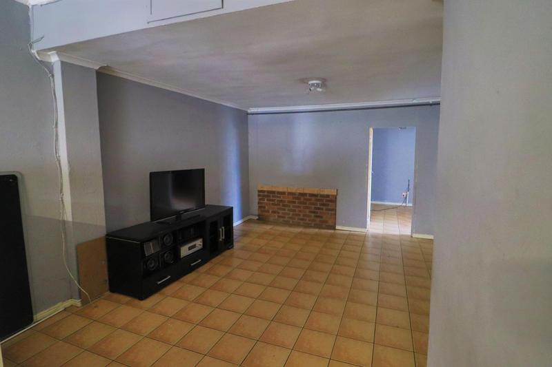 Property For Rent in Kensington, Cape Town 9