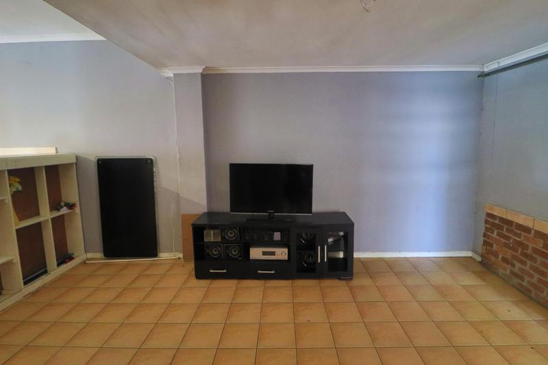 Property For Rent in Kensington, Cape Town 12