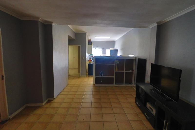 Property For Rent in Kensington, Cape Town 15
