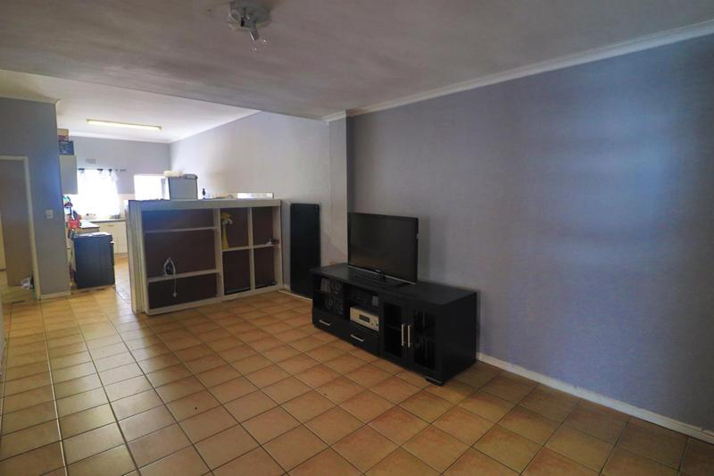 Property For Rent in Kensington, Cape Town 16